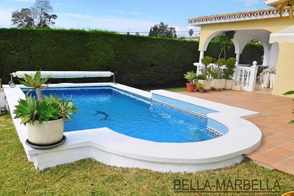 Marbella Chalet mit Pool zu verkaufen